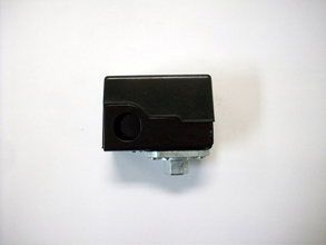 Compressor_parts_-_Vanair_RC40_pressure_switch.png