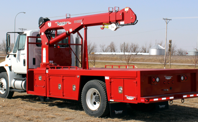FF101_2-Ton_Flatbed_equipped_with_H10025_tall_tower_crane.png