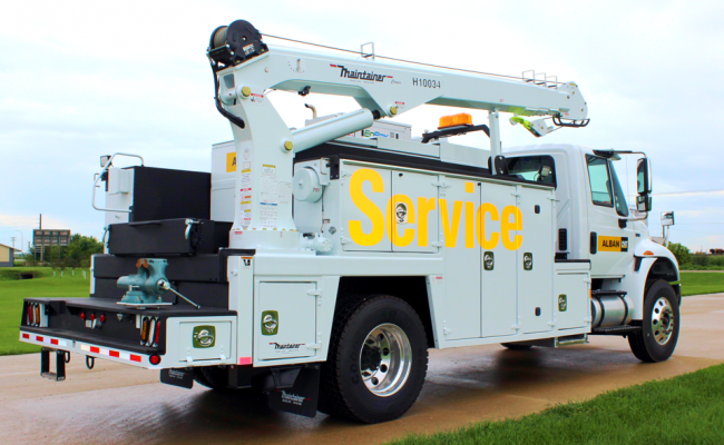 FF257_2-Ton_Service_truck_with_H10034_tall_tower_crane.png